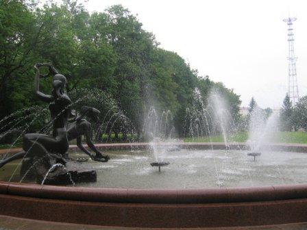 Памятник-фонтан «Купалье» («Венок»)